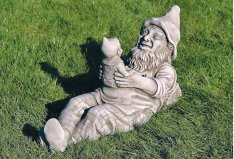 Lge Gnome with Baby